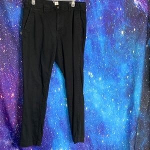 Gap- Black Straight Leg Pants size 33x32